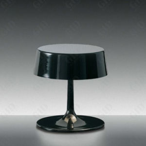 Very Fashion Contemporary Bedside Desk Table Lamp for Hotel Bedroom pictures & photos