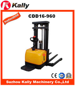 Triple Mast with Free Lift Electric Straddle Stacker (CDD16-960)