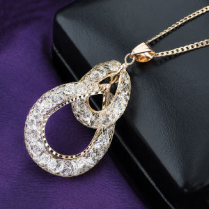 Popular Design Gold Mesh Crsytal Hollow Jewelry Necklace pictures & photos