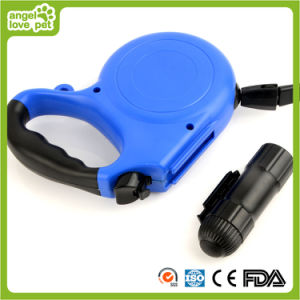 Auto Retractable with LED Light Dog Leash (HN-CL596) pictures & photos