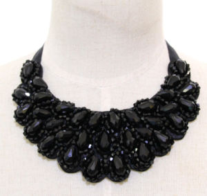 Lady Fashion Black Beaded Crystal Colllar Necklace Jewelry (JE0183) pictures & photos