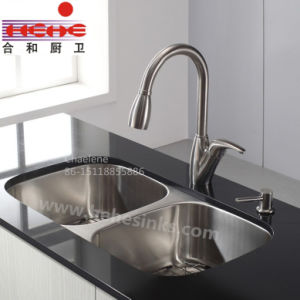 Hot Sell 50/50 Double Bowl Kitchen Sink (8247) pictures & photos