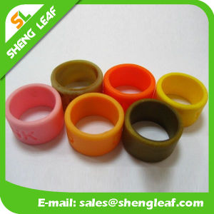 Personalized Fashion Advertising Colorful Silicone Finger Rings (SLF-SR012) pictures & photos