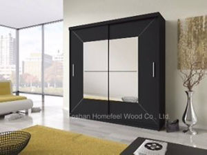 Large Black Sliding Door Wardrobe with Square Mirror (HF-EY0731C) pictures & photos