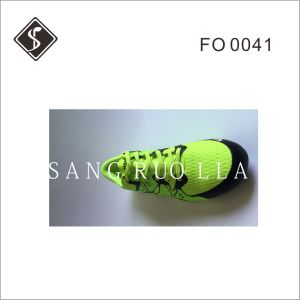 Hot Sale Men Soccer Indoor and Football Shoes with Rubber Outsole pictures & photos