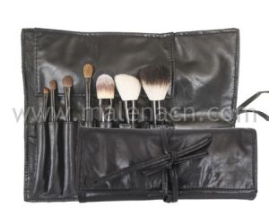 Basic Use 7PCS Makeup Brushes with Natural Hair for Travel Set pictures & photos