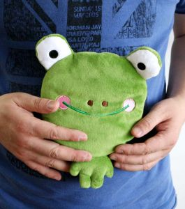 Hot Cold Ice Gel Hand Pack for Pain Relief Beneficial to Human Body Health Animal Frog Warp Pillow (p20115)