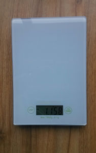 Digital Household Glass Cooking Tool Kitchen Scale pictures & photos