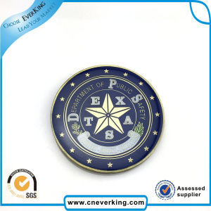 Nice Zinc Alloy Plated Brass Metal Lapel Pin Promotion Gift pictures & photos
