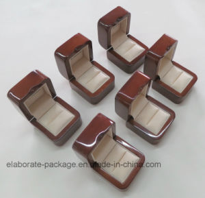 Solid Walnut Wood Collection Ring Box pictures & photos