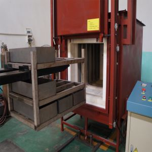 High Temperature Industrial Box Muffle Furnace for Heat Treatment pictures & photos
