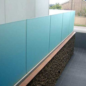 Tinted Glass Aluminum U Channel Profile Railing Design for Terrace Balustrade System pictures & photos