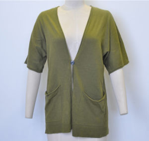 Spring Short Sleeve V-Neck Loose Knit Women Cardigan with One Button pictures & photos