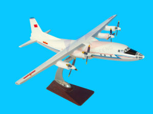 Professional Plane Model (Y-8) pictures & photos