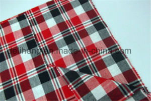 Colorful T/C Yarn Dyed Check Men′s Beach Short Fabric pictures & photos