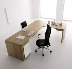 New Colour Elegant Design Executive Desk Office Furniture (SZ-OD195) pictures & photos