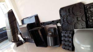 Zs-6171 Vacuum Forming Machine pictures & photos