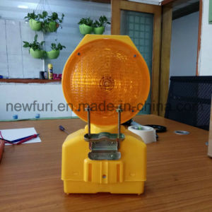 Solar Waterproof PC LED Strobe Light Road Safety Blinker Light pictures & photos
