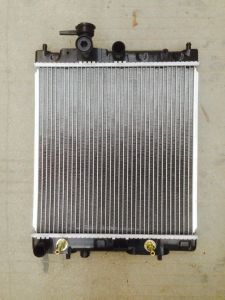 High Quality Aluminum Brazed Welding Car Radiators for Mazda B2500 pictures & photos