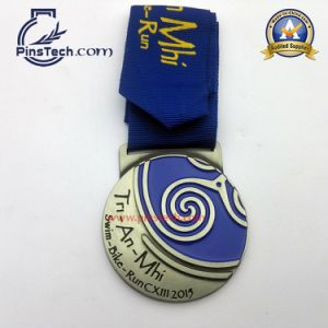 Customized Medal with Epoxy Sticker pictures & photos