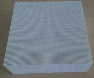 Automobile Catalyst Honeycomb Ceramic Substrate pictures & photos