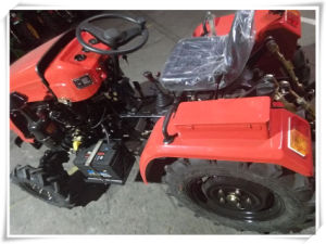 High-Quality Mini Tractors 4WD with 2cylinder Engine pictures & photos