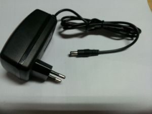 Hot! 9-15V 1A NiMH NiCd Battery Pack Charger pictures & photos