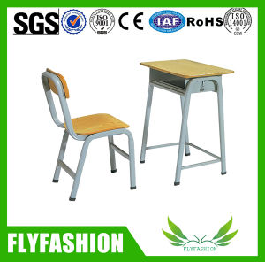 Single School Desk and Chair/Student Desk and Chair/Desk Chair Classroom Furniture pictures & photos