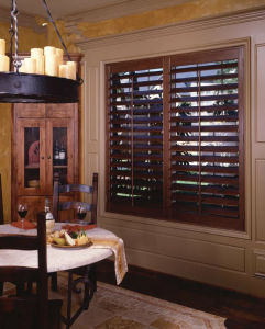 Good Quality Wood Plantation Shutter (TMPS) pictures & photos