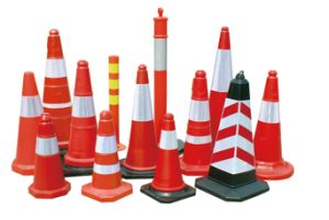 High Quality Retractable Traffic Cones with LED Light pictures & photos
