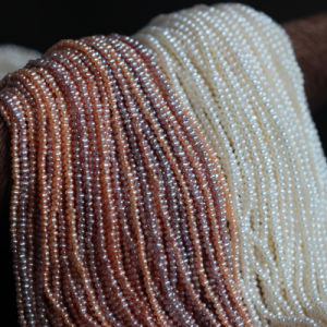 2.5mm-3mm Micro Small Round Freshwater Pearls Strand Wholesale (E pictures & photos