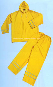 0.32mm PVC/Polyester Rain Coat with Reflective Tapes R9093 pictures & photos