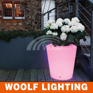 Custom Outdoor Glowing LED Plastic Flower Vase pictures & photos