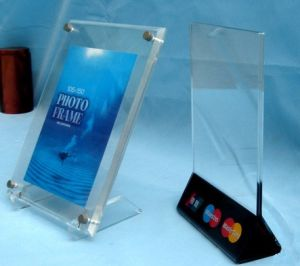 Customize Clear Acrylic Menu Holder Desktop Sign Holder pictures & photos