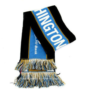 Newest Custom Acrylic Knitted Soccer Scarf pictures & photos