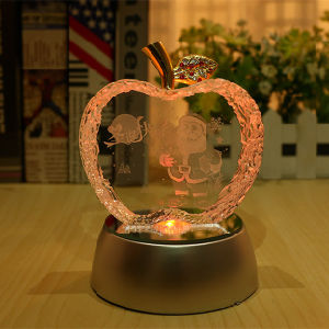 High Quality and Beautiful Crystal Color Apple for Holiday Gift pictures & photos