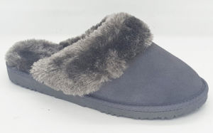 Women′s Slippers with Real Leather pictures & photos