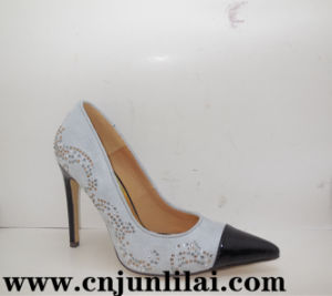 Lady Shoes with Fashion Studs