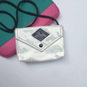 Flash White Zipper Silt Pocket Hasp Shoulder Bag (M009-9)