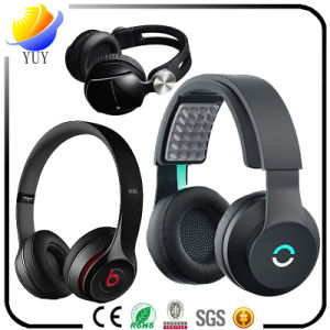 Fashion Aluminium Alloy Earphone and Plastic Headset with All Kinds pictures & photos