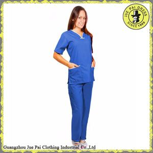 Beautiful Clean 100% Polyester Medical Scrub Suits pictures & photos