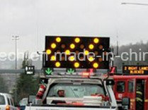 Large Size Traffic Arrow Board Sign High Brightness and Long Lifespan pictures & photos