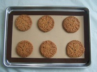 Anti Slip Non-Stick Silicone Baking Mat pictures & photos