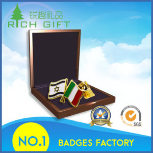 High Quality Custom National Flag Badges for International Conference Souvenir pictures & photos