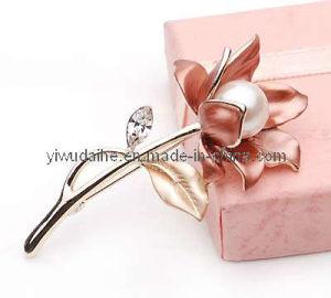 Fashion Flower Alloy Pearl Brooch (001733)