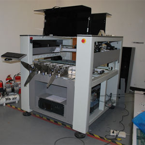 Fully Automatic Vision SMT Pick and Place Machine pictures & photos