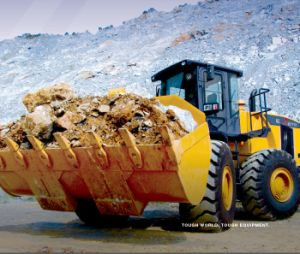 China Best Wheel Loader with 888 America Cummins Engine pictures & photos