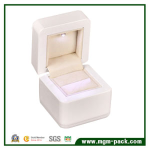 High Glossy Piano Lacquering LED Wooden jewellery Box pictures & photos
