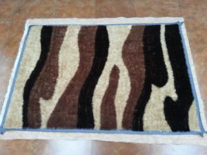 Chinese Popular Sale Shaggy Light Camel Polyester Plain Carpet Rug pictures & photos