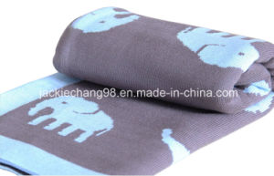 100% Cotton Elephant Design Cable Knitted Baby Blanket pictures & photos